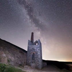 Milkyway over Towanroath engine house